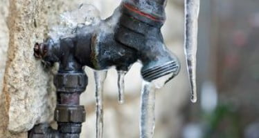 Treat frozen pipes with fire safety in mind