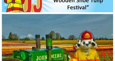 Sparky checks off bucket list item #8: Assister à chaussures en bois de l'Oregon Festival des tulipes